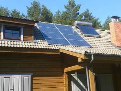 saules kolektoriai ant stogo