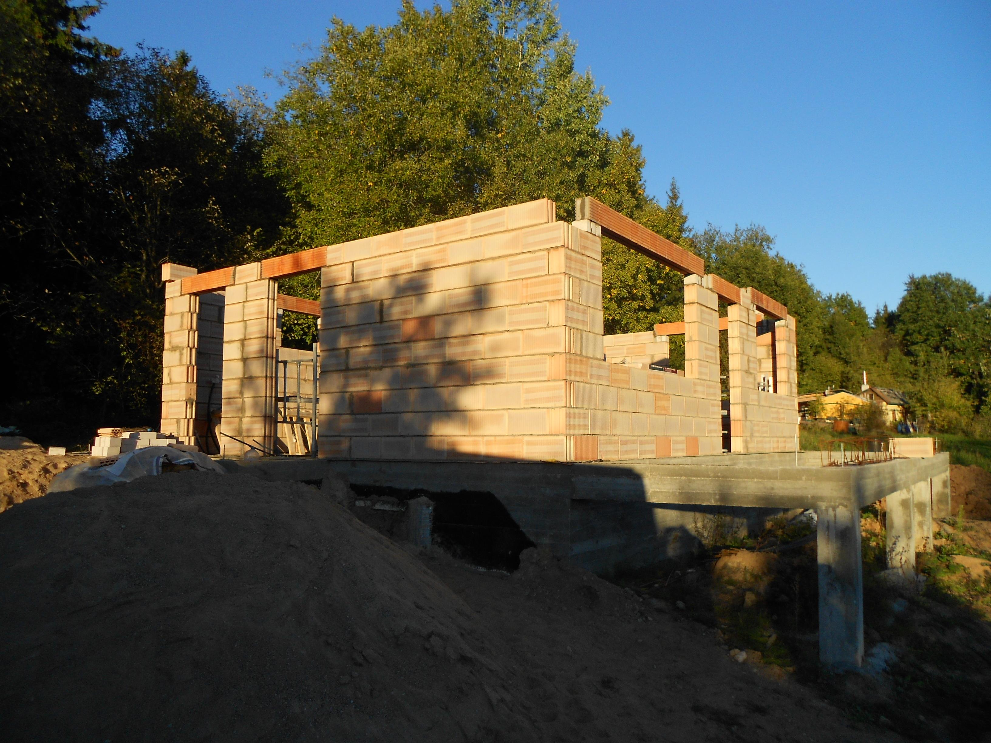 pamatų liejimas mūrinimas